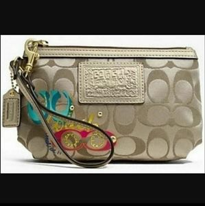 Coach Poppy Pop C Signature Wristlet